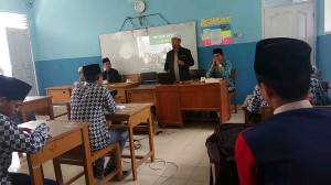 Sosialisasi Mudir dan Mahasantri Ma'had Aly dengan Santri Tingkat Akhir Madrasah Aliyah PPTI Tanjuang Barulak - Batipuh (Kamis, 20 April 2017)